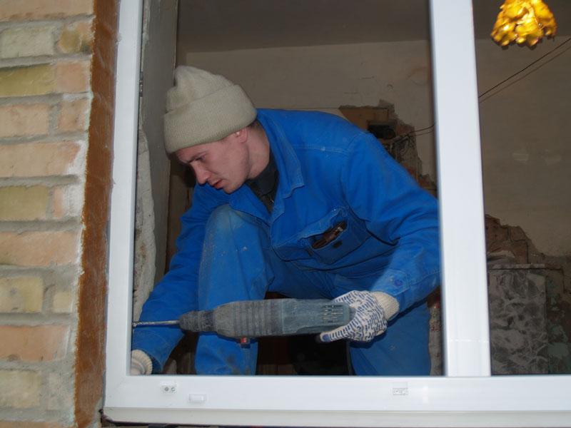 Установить пластиковое окно своими руками в кирпичном доме